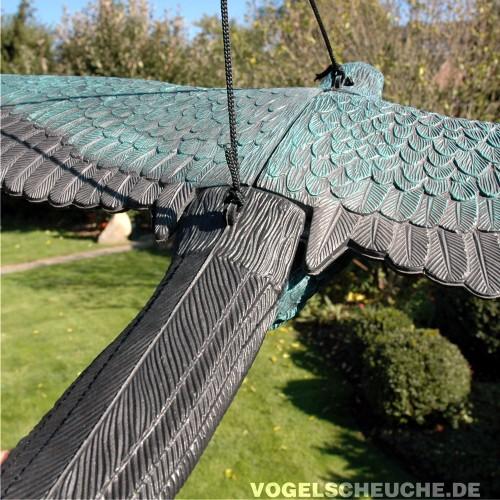 vogelscheuchen tierattrappe rabe fliegend vogelabwehr. Black Bedroom Furniture Sets. Home Design Ideas